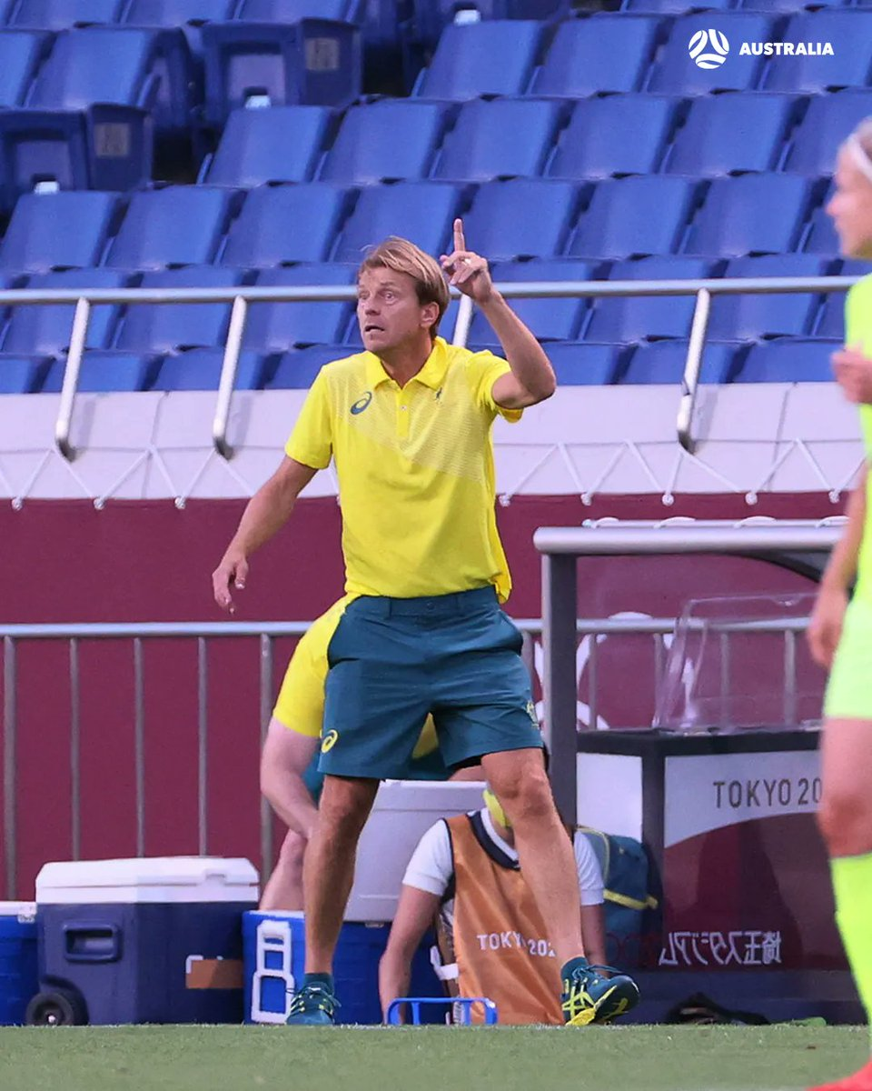 Tony Gustavsson makes our first changes.   ON: Alanna Kennedy & Kyra Cooney-Cross   OFF: Aivi Luik & Tameka Yallop  🇸🇪 3-2 🇭🇲 #SWEvAUS https://t.co/QcsgULj90Y
