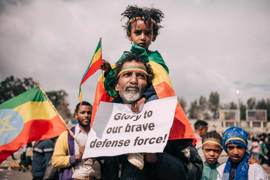 Ethiopians went out to Meskel Square expressing their happiness of the second round filling of the  Ethiopian  Dam and  support for the National Defense force's    July 22 - 2021   #fillthedam  #hornofafrica #ethiopiaprevails  #bbcnews #africancityzens #itsmydam #proudethiopia https://t.co/FDQLzH4YiD