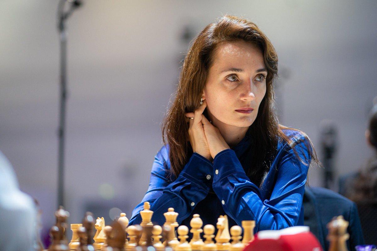 test Twitter Media - Bibisara Assaubayeva resigned in this position, thus giving Kateryna Lagno the lead in their tiebreak match! #FIDEWorldCup https://t.co/ZELZBMPRMu