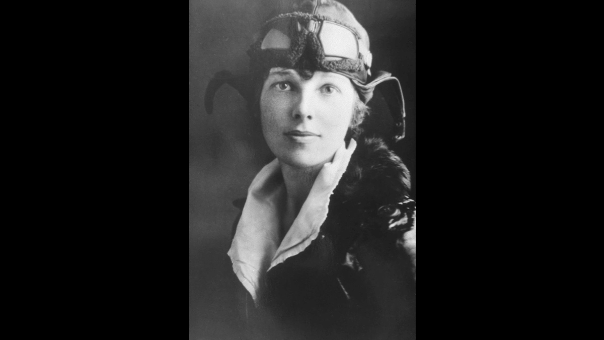 """""""The more one does and sees and feels … the more genuine may be one's appreciation of fundamental things like #home, and #love, and understanding #companionship."""" Amelia Earhart, born 7-24-1802  📷 Her pilot license (1927) » https://t.co/stpgVGHVJ4  #Humanity #WomensHistory https://t.co/AOyy9rBf5V"""