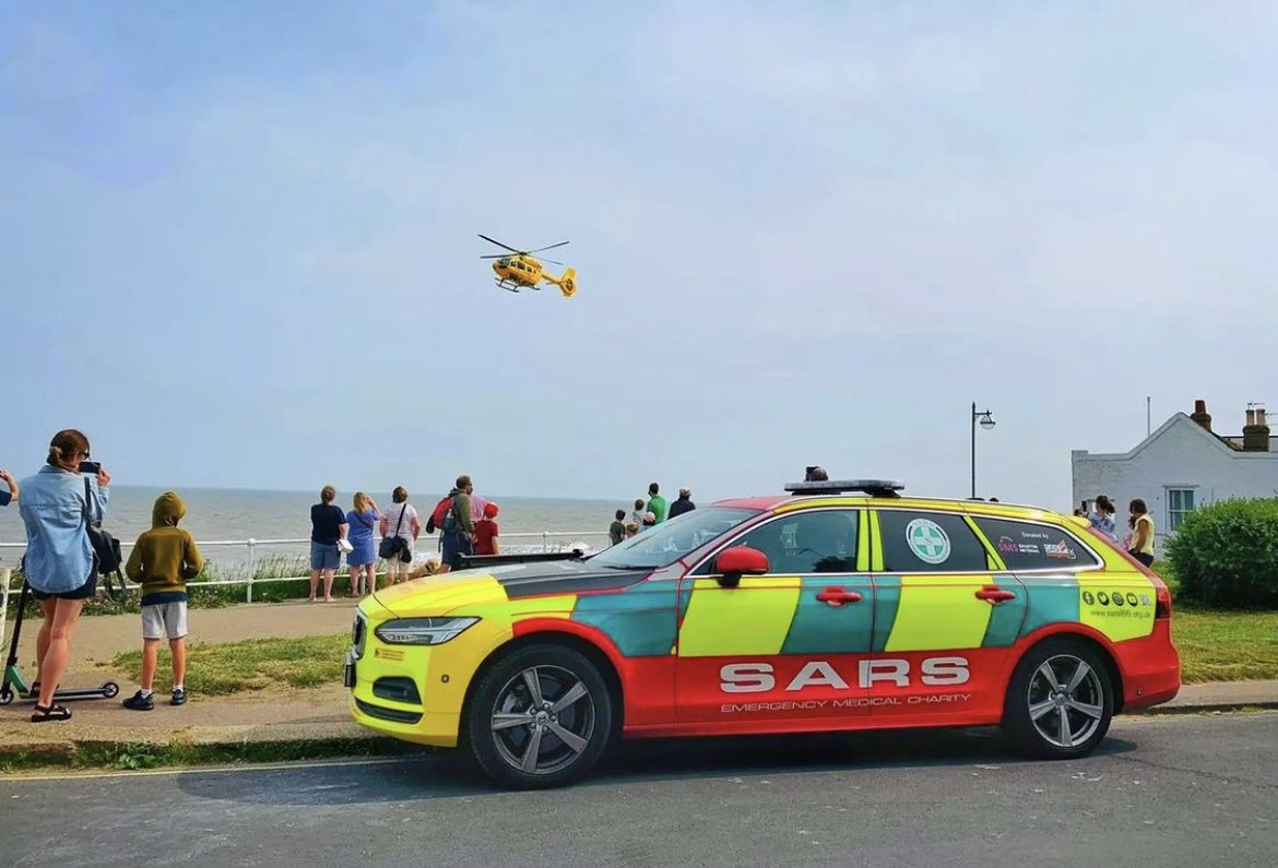 Two Assets… powered by fuel.. crewed by charities and  volunteers.. saving lives.. that's dedication!  Our #SMED27 with @sarsHQ pictured with @EastAngliAirAmb. Make a donation people these @BASICS_HQ need so much more support!