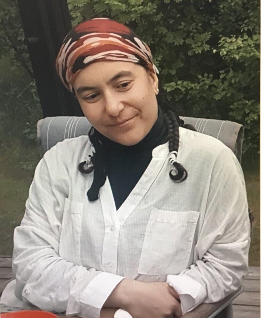 Vi søger 38-årig Özlem F. Ardik, som ikke er set i flere dage. Hun har efterladt sine personlige ejendele på bopælen på Frederiksberg, siden har familie og venner ikke hørt fra hende. Er hendes opholdssted kendt eller træffes hun, bedes man kontakte politiet på 114 #politidk https://t.co/1irVFfUERJ