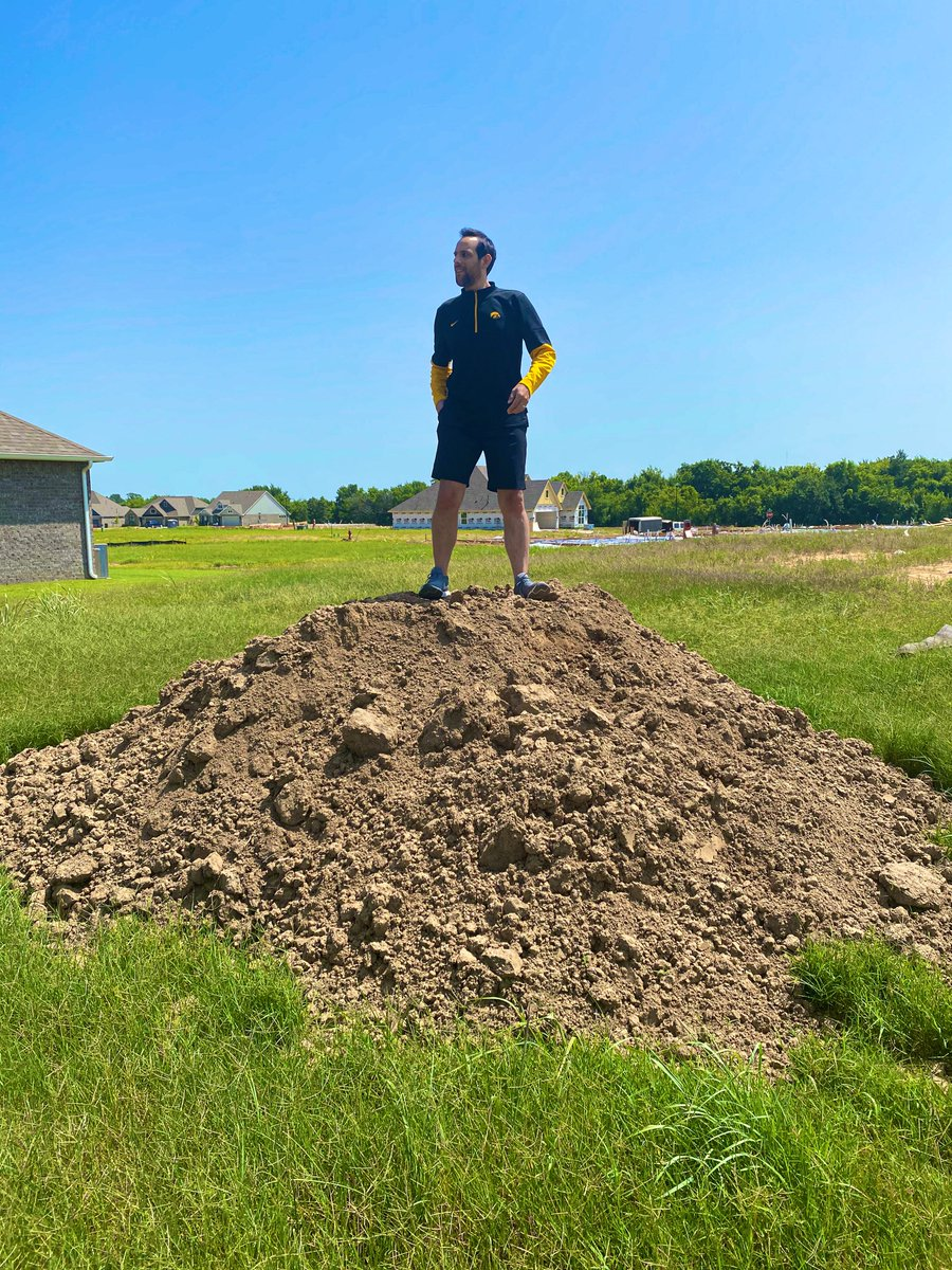 Went to check the progress on the construction of our new house and thought this dirt hill is a perfect place to plant my Pawnee, Ponca, Kiowa, and Critical Race Theory flags https://t.co/4usS6tNCbd