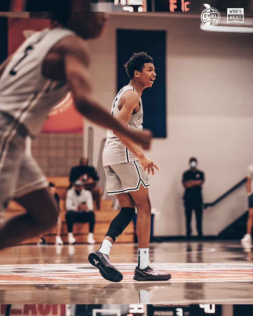 It's time for the final #peachjam Boys 17U Semifinal matchup…Meanstreets vs. Brad Beal Elite. This one's gonna be a battle 🍑👊 #eybl https://t.co/tyhW1oXZ0K