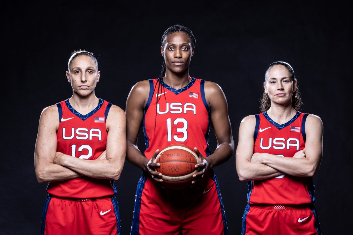 This team! 🙌🔥  🇺🇸 #USABWNT showing off at the @FIBA #Tokyo2020 photoshoot! https://t.co/uCj2LJMpKK