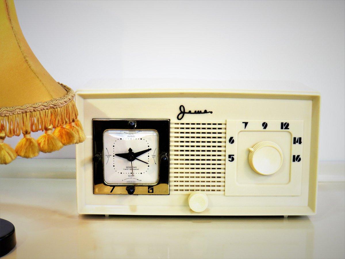 Vintage Working JEWEL Alarm Clock with Radio, Model 340, Ivory Clock, Bakelite Electric Alarm Clock, Made in U.S.A, 50s https://t.co/TVMAQuwVvA #Wedding #Gifts #EURO2020 #covid19 #Europaleague #Summergift #Homedecor #Vintage #FREESHIPPING #Vintage https://t.co/1dKqguacws