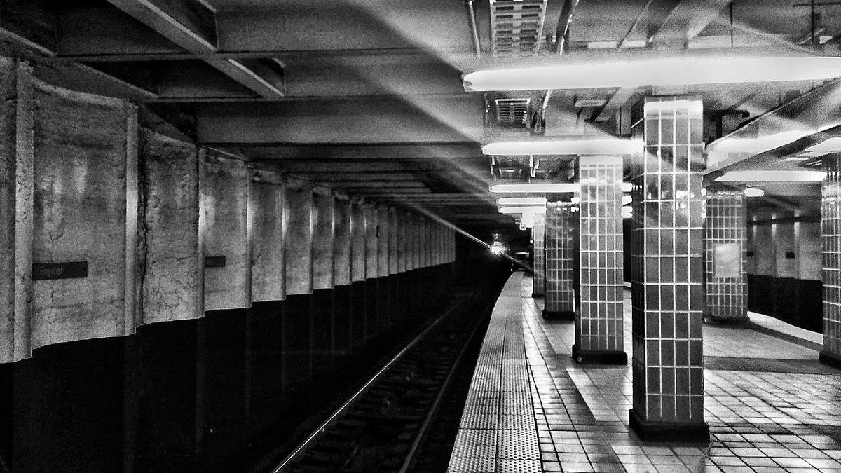 Sneak drop tonight on @kalamint_io   'Platform' 1/1 b&w photography   https://t.co/c4SqPEyio7  #tezos #XTZ #nftphotography #tezosart #tezosnft #kalam $kalam #photography #blackandwhitephotography #streetphotography #nftcollector https://t.co/yvjnboTHsi
