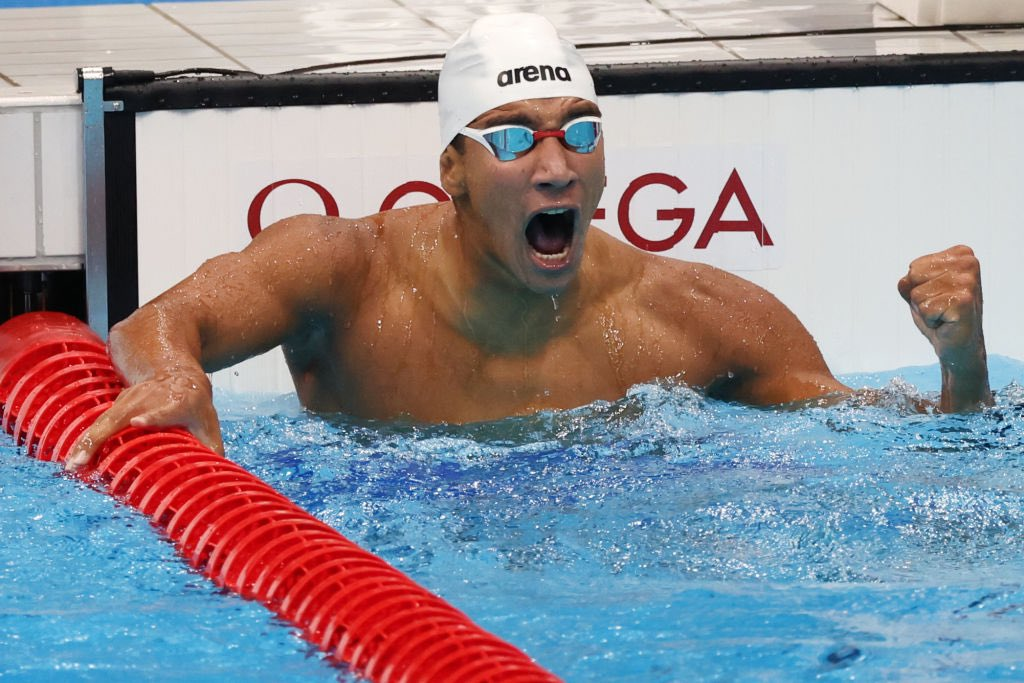 Happy Golden day Tunisia 🥇  18yr old Ahmed Hafnaoui did it!!!! The second Olympic Gold medal in history for Tunisia in the pool! #swimming 400m Freestyle #Olympics https://t.co/wDH8WRNxlY