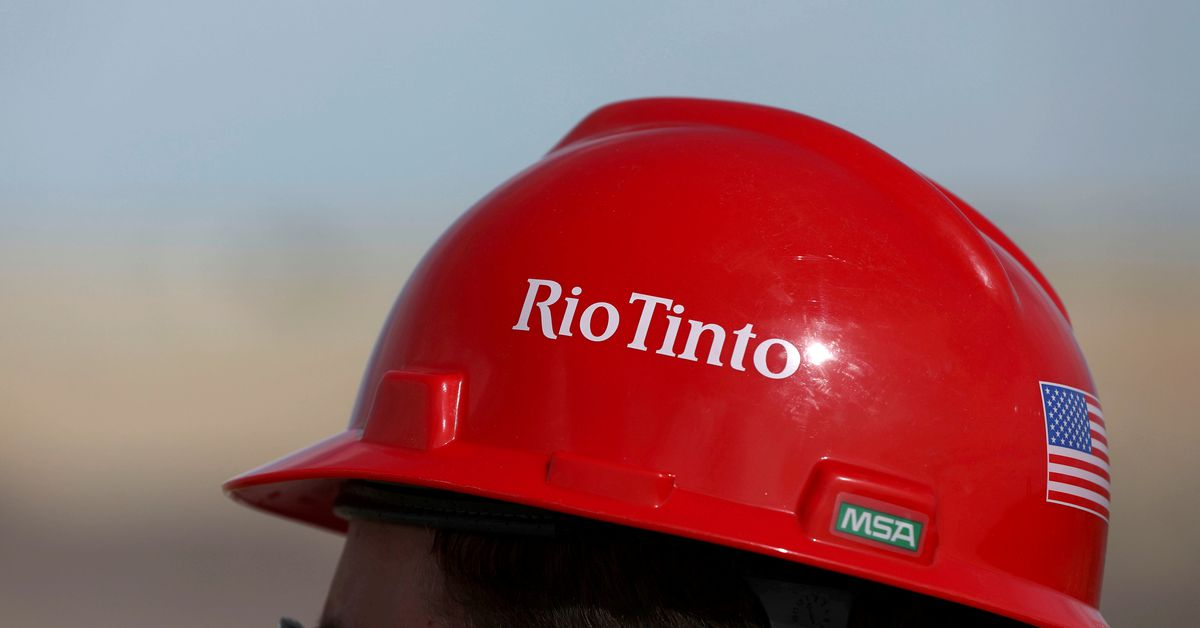 Canadian union Unifor starts strike at Rio Tinto operations https://t.co/m2ZjClbTe2 https://t.co/kkccG8CkcV