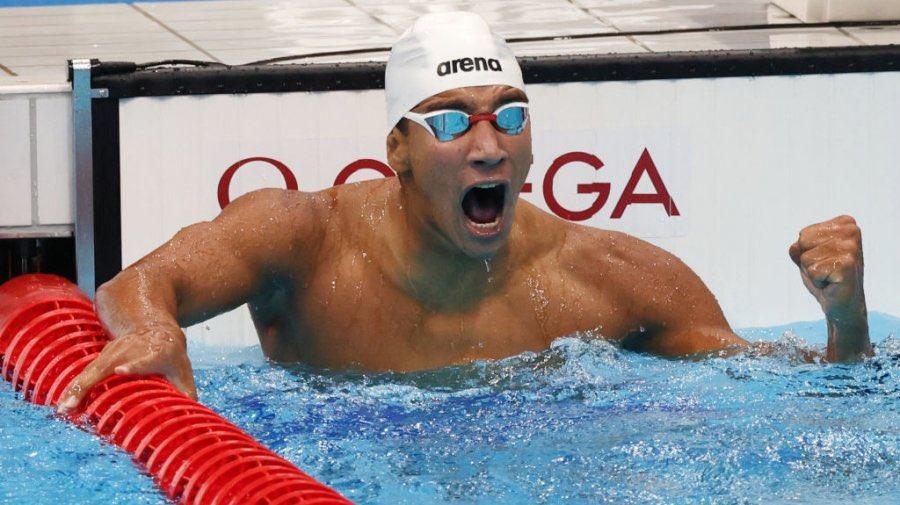 Ahmed Hafnaoui : « Je suis champion olympique maintenant » Enfer ouais tu es jeune garçon ! Tu as fait toute la #Tunisie 🇹🇳 fier ! #TokyoOlympics2021 #Olympics#Tunisia #JeuxOlympiques #Tokyo2020 https://t.co/6cZiyARktJ