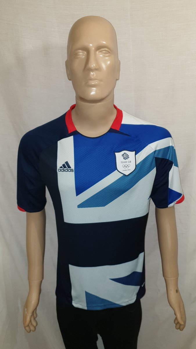2012 #GreatBritain Home Shirt: Size M  Now available to buy from @shirtstopcorner. https://t.co/hTLAEqPNiq  #TeamGB #GBR #NorthernIreland #London2012 #OlympicFootball #adidas #Jersey4sale https://t.co/FOPcKDnDxo