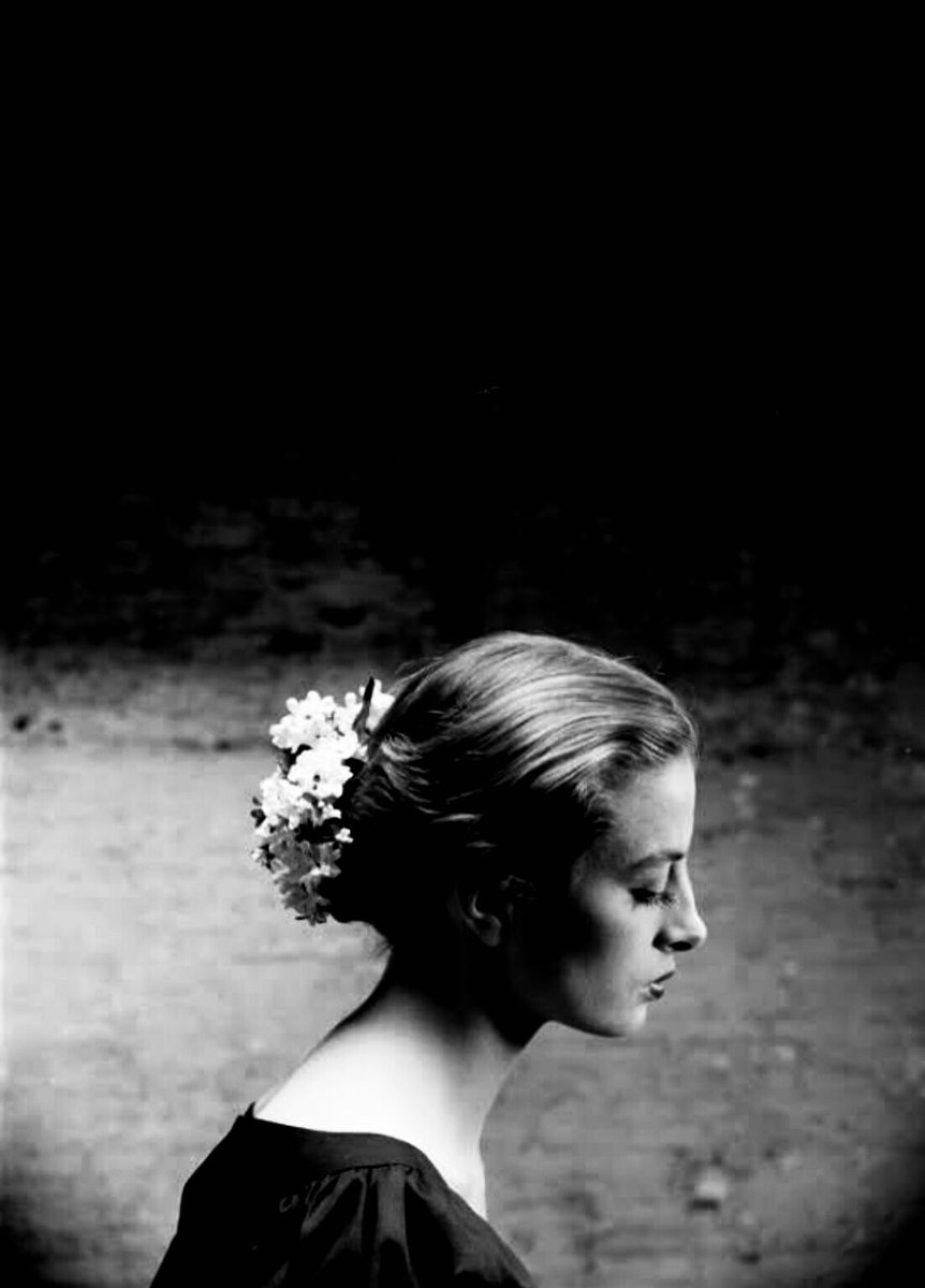 Capucine | Photos by Yale Joel / Walter Carone | Paris, 1952 https://t.co/07Yo36gpvm