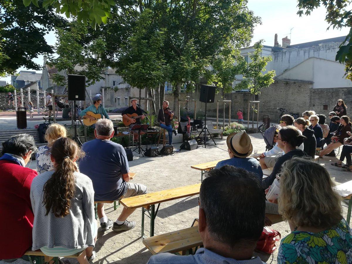 🎼Voici les #concerts de l'été en #TerresdeNacre 💃 @s_acadienne @Courseulles_mer @BernieresSurMer #calvados #coeurdenacre #musique #Vacances #festival #CetEteenNormandie #CetEtejevisitelaFrance Programmation variée➡️https://t.co/auOaOXdwP4  📲📆https://t.co/DYS27WOKXl https://t.co/0YsuKJMqwT