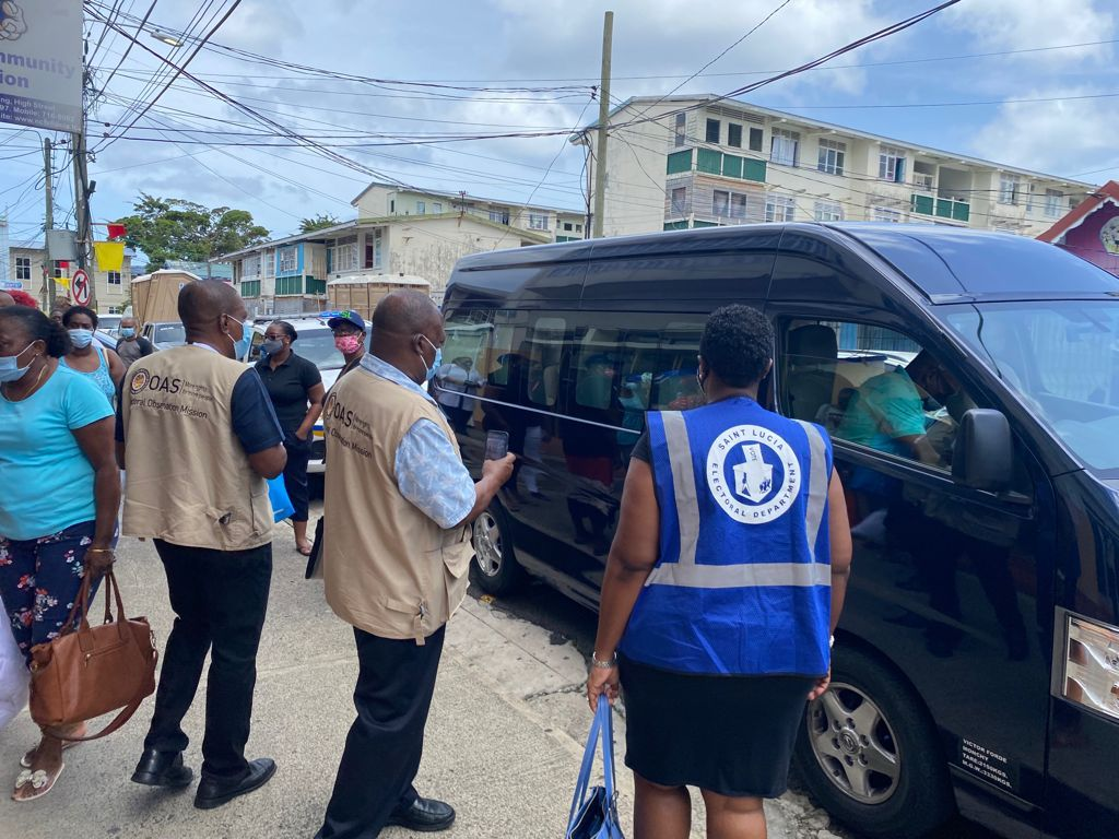 EOM #OASinStLucia observes the arrival of the ballots from the advance vote at the Saint Lucia Electoral Department. These ballots were cast on July 23 and will be counted on Election Day 🗳🇱🇨 https://t.co/uJdpyuQCNs