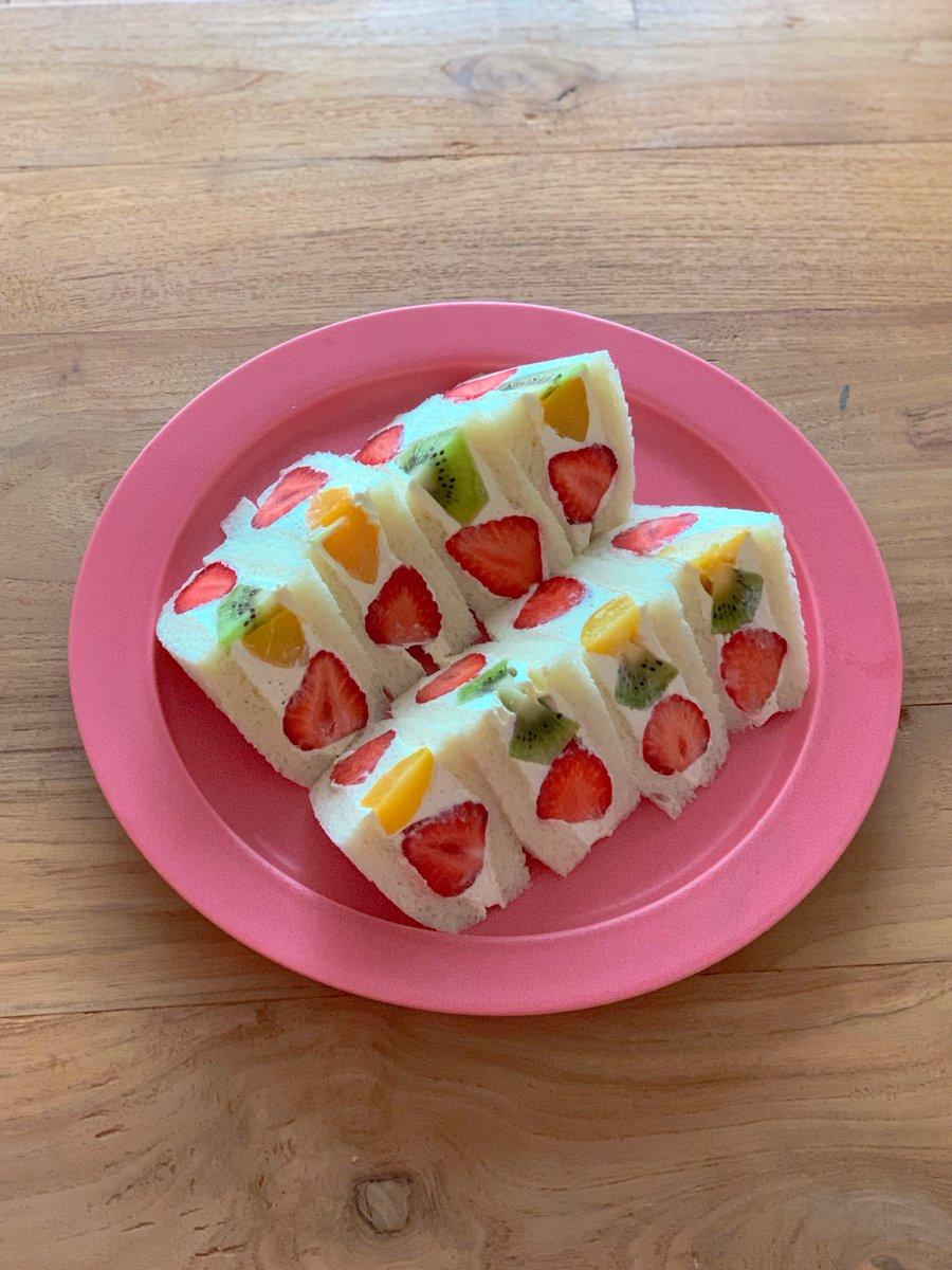 お家でフルーツサンドを作るとき知っていると役立ちそう!断面が綺麗になるように切るポイント!