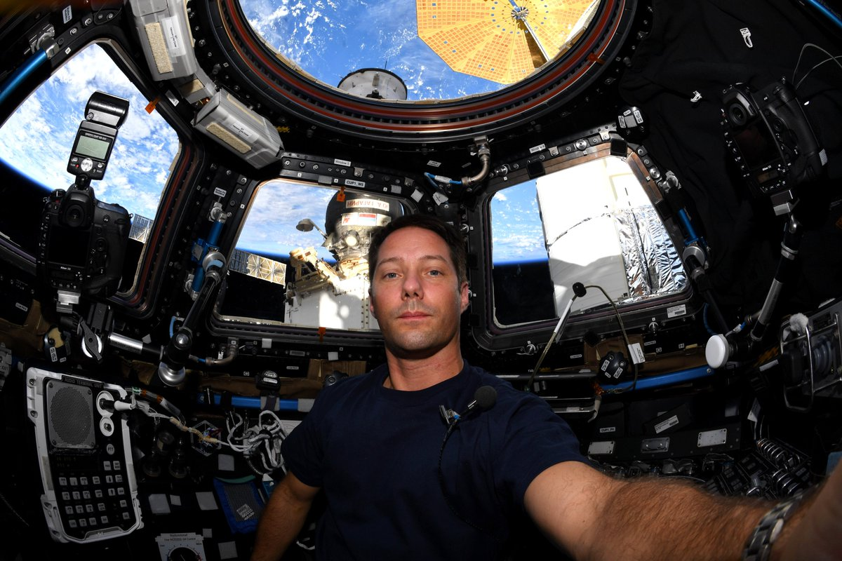#Space 🌌 Awesome of the Day ⭐ ➡️ 94 days 📆 for @Thom_astro 👨🚀 in the @Space_Station 🌎 'I'm finding it magical every day!' 💬 #SamaSpace ➡️ View More #SamaCollection 👉 https://t.co/Kugls40kPu