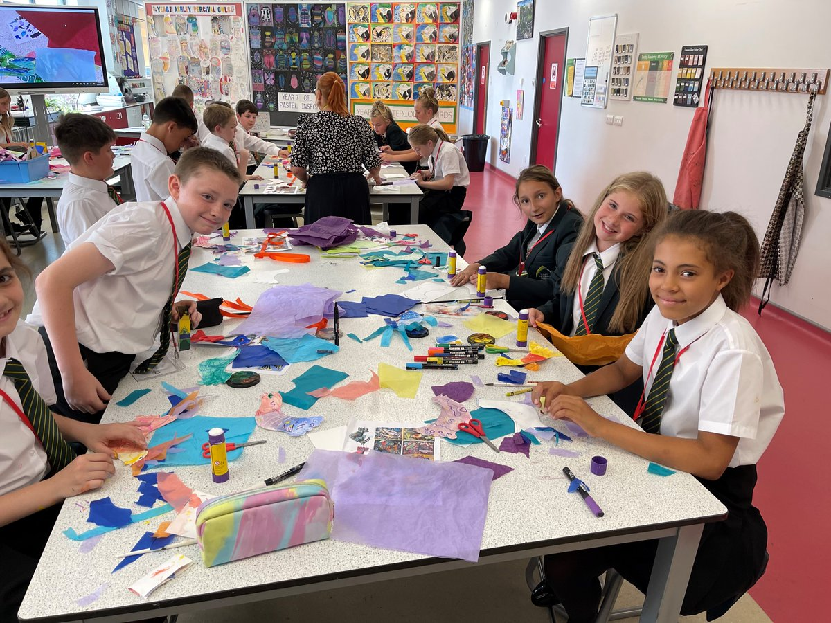 Time for our new Year 7 Summer School students to get creative! 🎨An Art lesson with Miss Hughes to end the day. #Summerschool2021 #artwork
