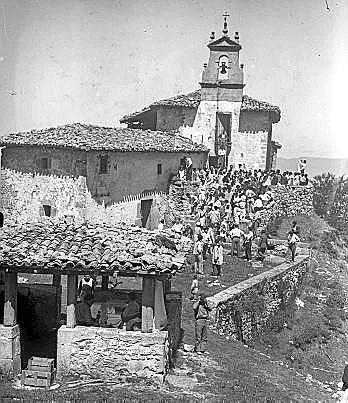 Ermita.Diversos aspectos de la Romería de San Vitor. En la fotografía central Ciriaco Errasti ....