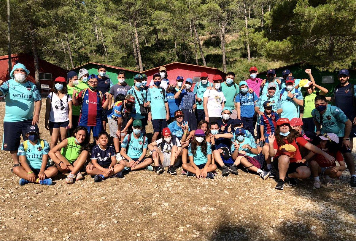 Primer día de Campamento superado ✅ 🙌🏼Nuestros chicxs difrutaron a lo grande con la act....
