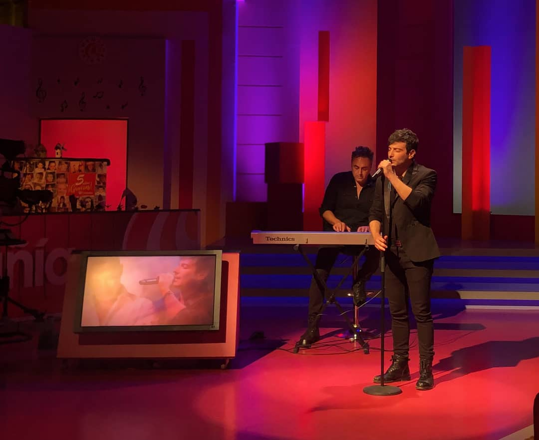 🎤 El cantante @FranValenzueIa presenta su gira homenaje a @AlejandroSanz en @EncompaniaCMM con Ramón García y @RaquelMMenor.   Todos los detalles: https://t.co/yMbvhLadRO