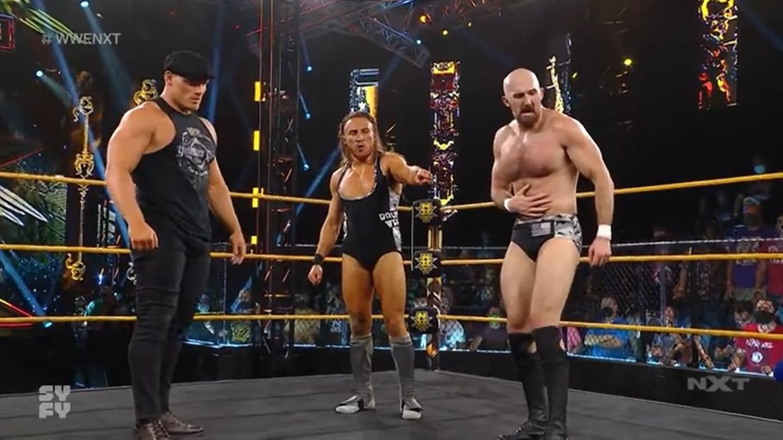 Ridge Holland aparece en WWE NXT.