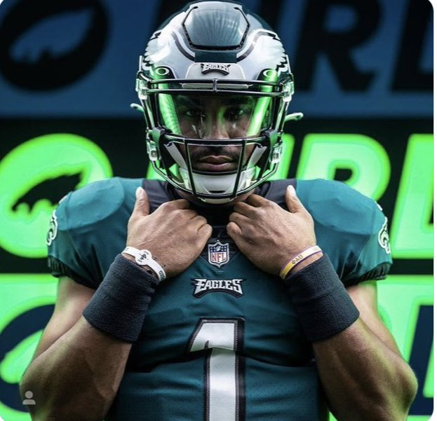 RT @Philly_Mike25: We all didn't know but Jalen Hurts knew he was taking Carson Wentz job from day 1 #Eagles https://t.co/vjLNQ5FmjF