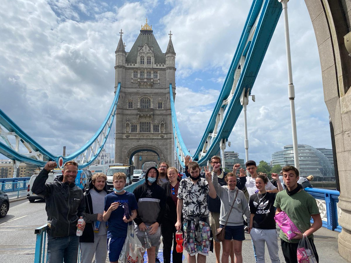 A brilliant trip down to London for @CatZeroOfficial - enjoy the big city! #bangthedrum