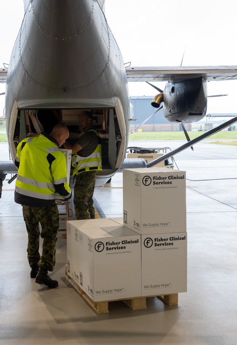 Today, with the help of @kaitsevagi Air Force #Estonia sent 52,000 doses of Vaxzevria #COVID19…