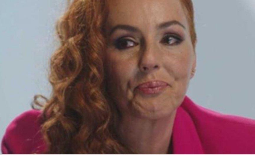 Oa se victimiza. Rocío Carrasco es VÍCTIMA. No confundamos los términos. #AhoraYSiempreRocio https://t.co/CKDfVMs4dx