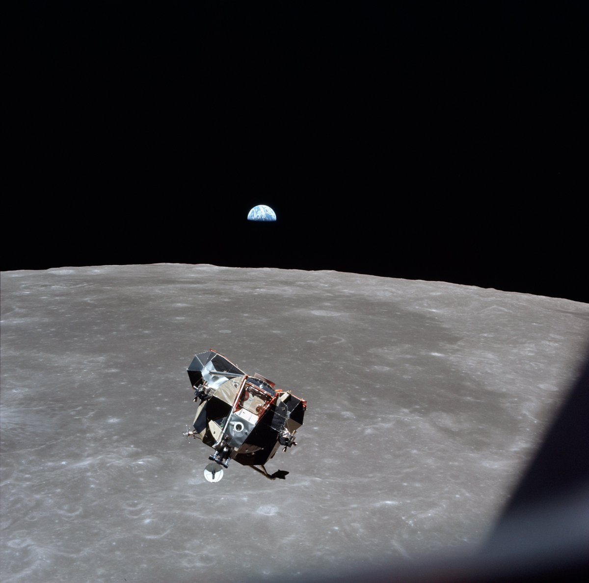 New Evidence Suggests Apollo 11's Lunar Ascent Module Could Still Be Orbiting the Moon https://t.co/OFcf1KNf2e