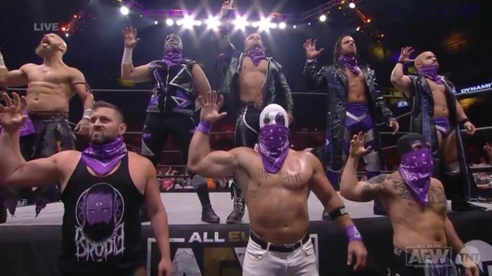 RT @WONF4W: Hangman Page, Dark Order lose title shot match on AEW Dynamite https://t.co/HOGUgWIYKO https://t.co/S0WiQDpMuG