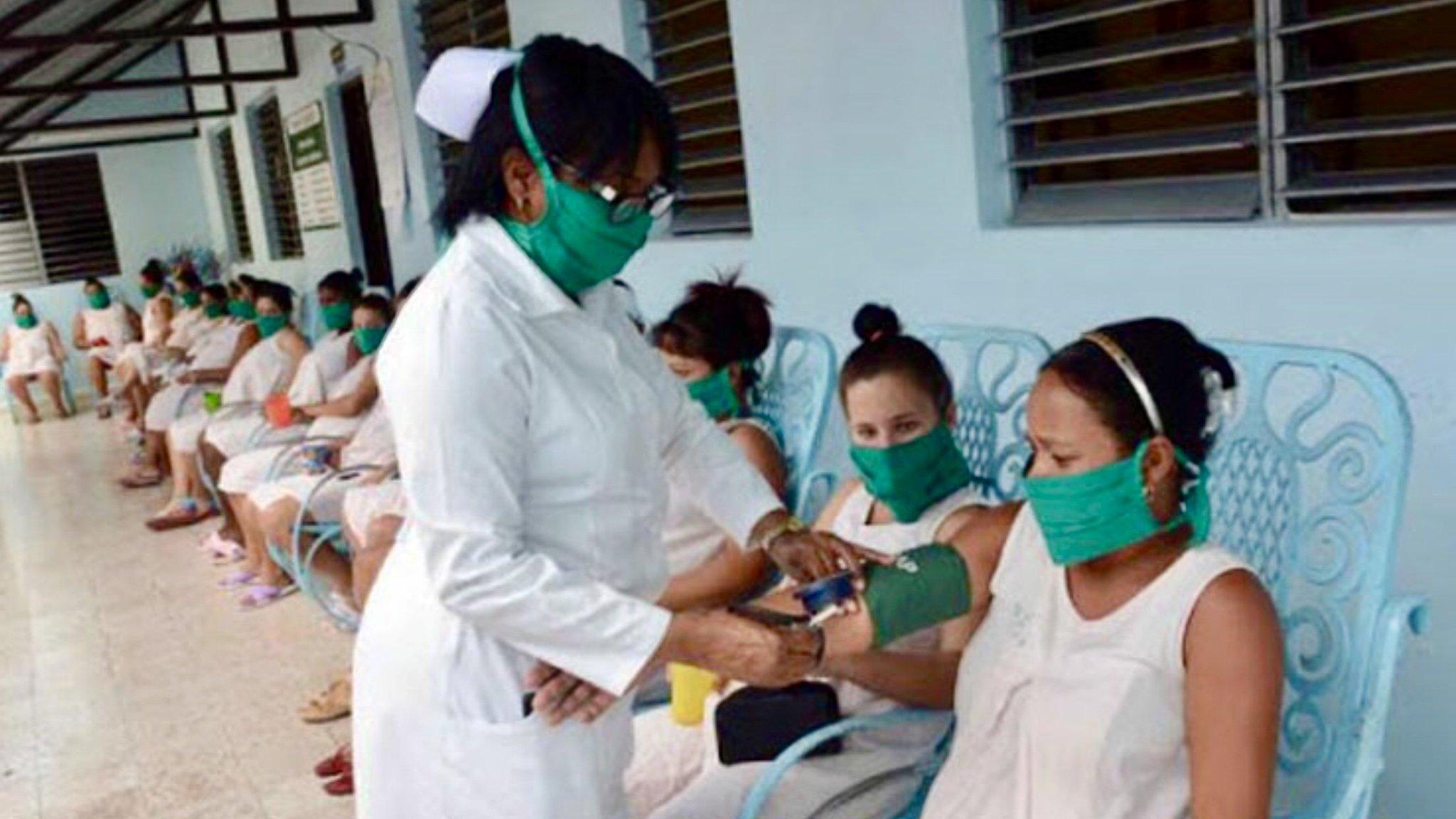 Remarca presidente de Cuba vacunación de embarazadas contra Covid-19