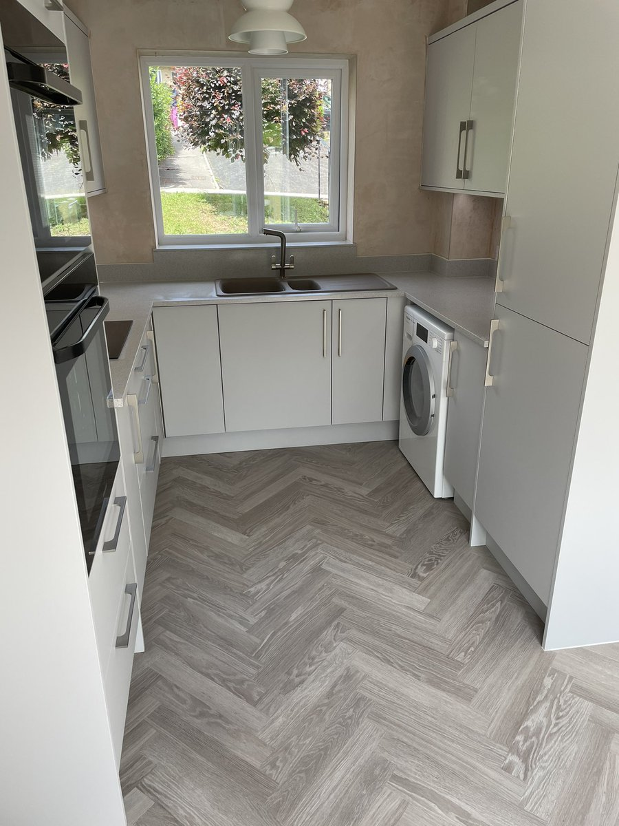 A kitchen that we've just finished in Bath. Products used include: @bybaUK @SamsungUK @Karonia_Ltd @FrankeUK @blumuk @HafeleUK @LDL_online @daro_UK @karndeanUK