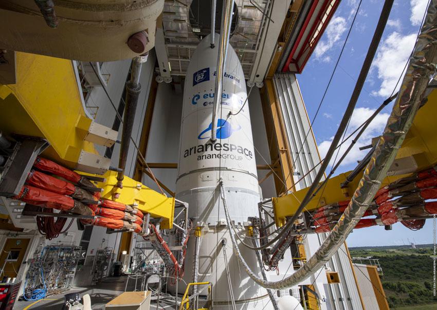 Ariane 5 VA254 (Star One D2 & Eutelsat Quantum) - CSG - 30.7.2021 E7fjQpfX0AwVQiG?format=jpg&name=900x900