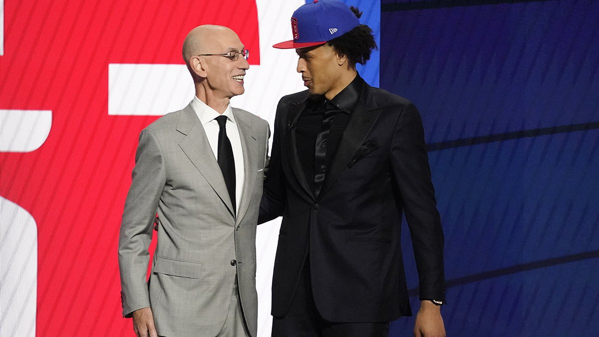 Pistons select Cade Cunningham with the No. 1 pick in the 2021 NBA Draft https://t.co/OrKpOBAy1T https://t.co/vfEugaGWXn