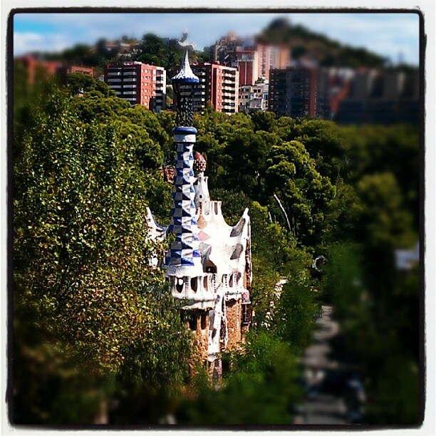 #foto #fotografia #fotografie #photography #photo #فوٹوگرافی #تصویر #照片 #写真 #摄影 #pictureoftheday #picoftheday #photographyeveryday #photoeveryday #gaudi #gaudiarchitecture #barcelona #crazy #incredible #parkguell #crazyarchitecture