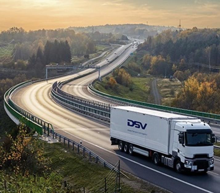 Analyseer jij graag transportdata en de eisen en wensen van (potentiële) klanten?  Solliciteer dan nu naar de uitdaging van Tender Specialist via https://t.co/o7kEnYoDxK   #dsv #vacatures #humanresources #careers #transport #hiring #moveforward #venlo #jobs https://t.co/HqN6CTn3bp