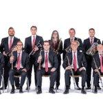 Image for the Tweet beginning: Concert de sardanes al pati