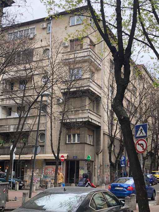 """Flaneuring cities in non-fancy, non-touristic streets, getting the neighborhood spirit Σ' αυτή τη γειτονιά: Naples (#1 by far) Beirut Athens Istanbul Palermo   Belgrade Bucharest  Non Med, non-post-Ottoman cities (""""North Atlantic"""") are too self-conscious abt hanging laundry..."""