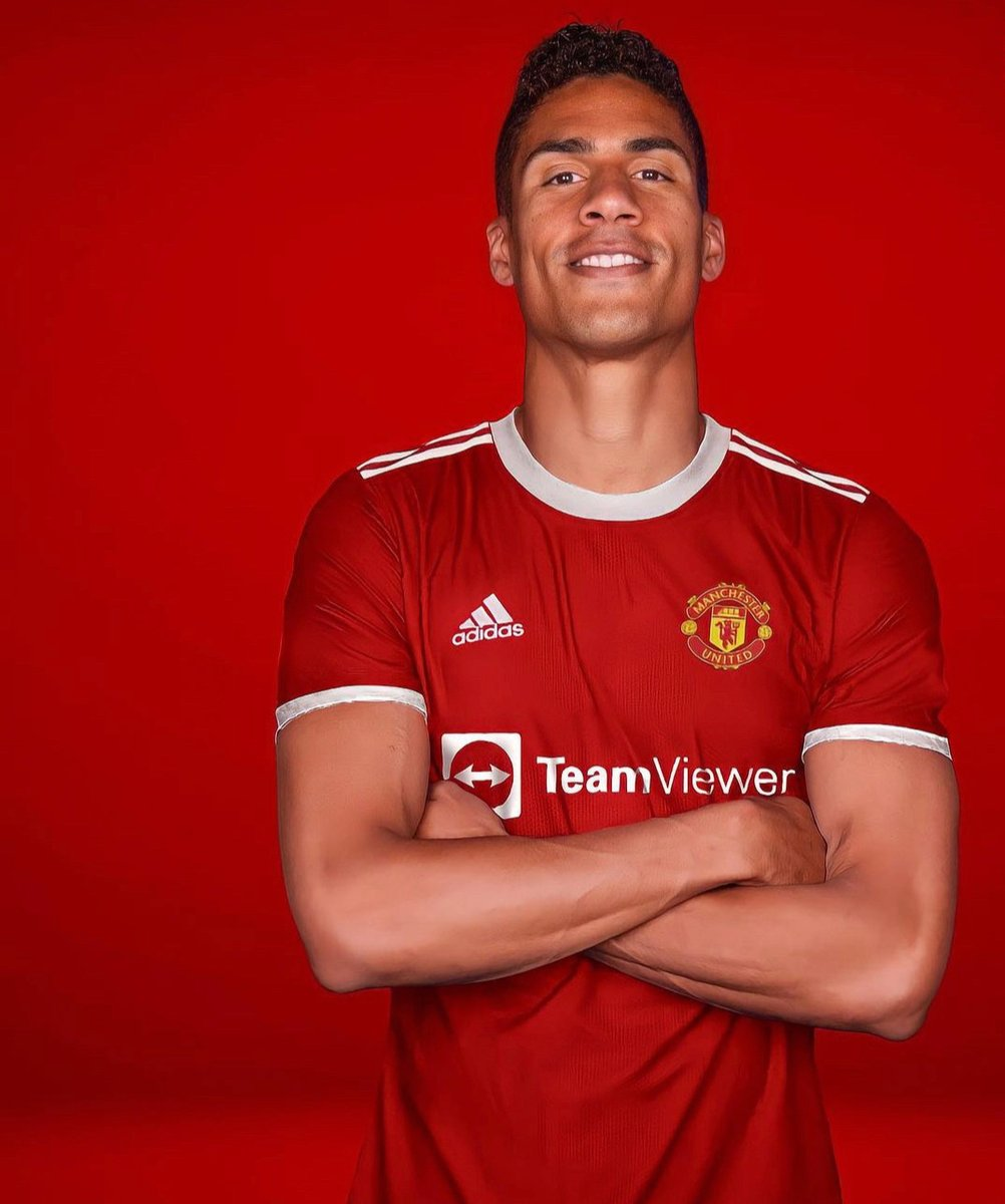 Will this possible signing strengthen @ManUtd chances of winning the @premierleague ❓  Will the Red Devils make anymore purchases before the window shuts❓  Who else should they go for❓  #Transfers
