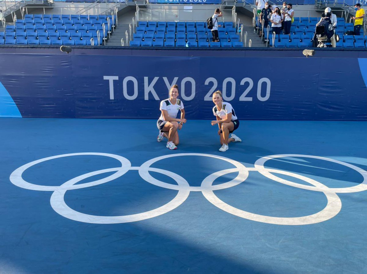 As primeiras medalhistas do 🎾🇧🇷 na história dos #JogosOlímpicos 🥉🥉 📸 Rafael Bello/COB