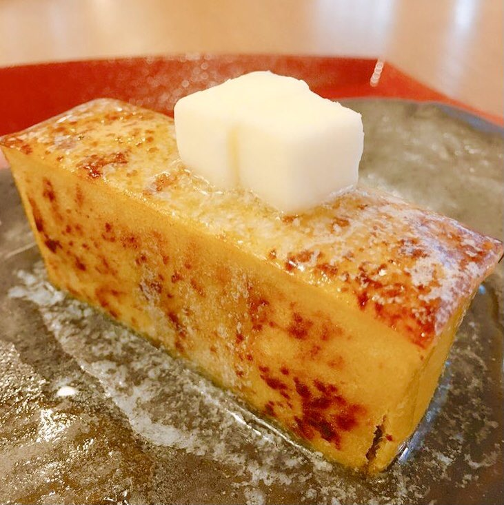 こんな食べ方があったとは!?芋ようかんを焼いてバターを乗せた「焼芋ようかん」!
