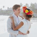 Image for the Tweet beginning: Love is in Eden roc....