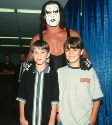 RT @90sWWE: A young Bray Wyatt & Bo Dallas meet Sting 📸 https://t.co/yA2qruaMnI