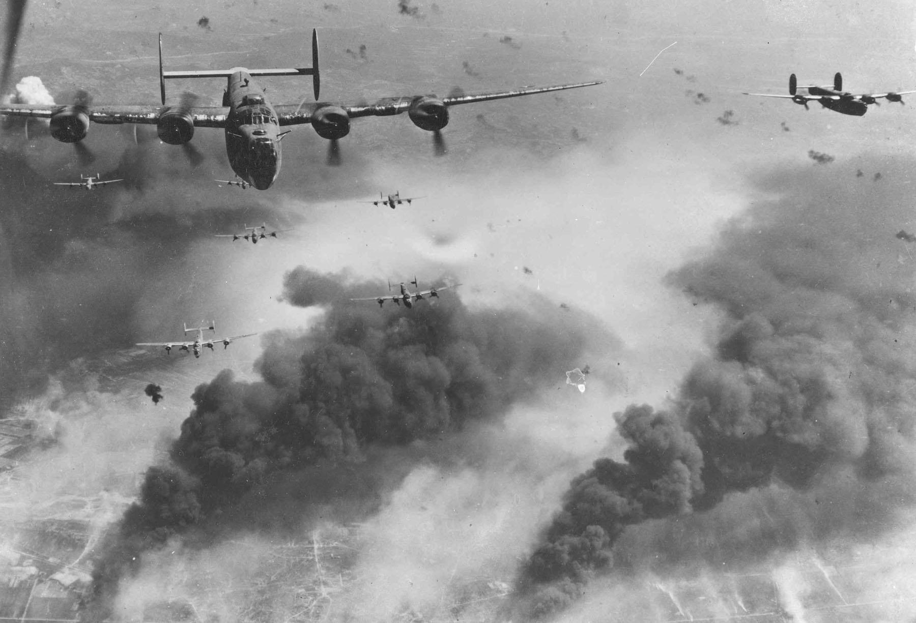 German Radio Reconnaissance Service has intercepted American flight plans, & prepared air defences around Romanian oil fields. Long flight has left overburdened bombers short of fuel & strung out, easy prey for Luftwaffe anti-aircraft guns. https://t.co/fZJrnhikIj