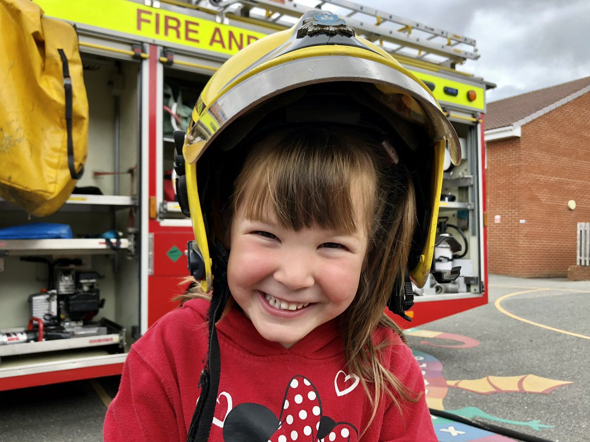Our teams make life safer by reaching out to our communities and sharing important safety tips.  @FreshwaterFire visited a local nursery to share some life-saving skills, put smiles on faces and inspire some future firefighters!  Great work Freshwater! #CommunityMatters   👏👏👏