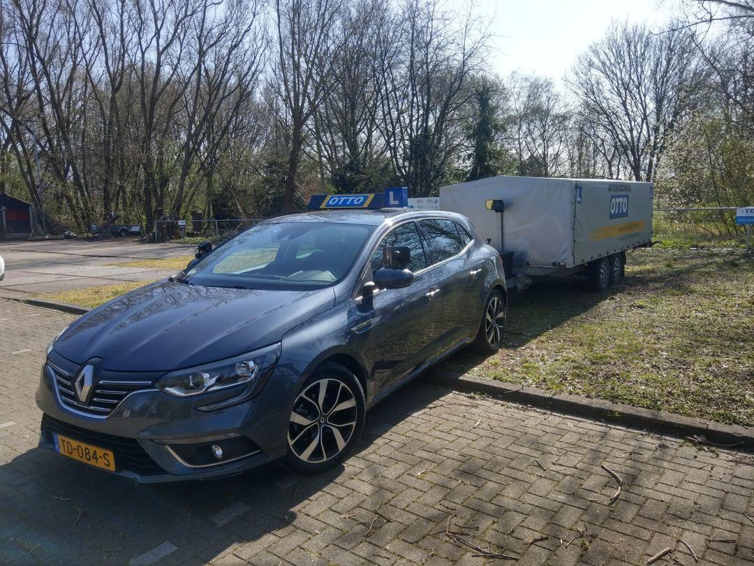 test Twitter Media - Peter de Jong in 1x geslaagd voor het BE rijbewijs. Keurig gedaan zo vlak voor de vakantie, gefeliciteerd. https://t.co/OgZmnp8eQf