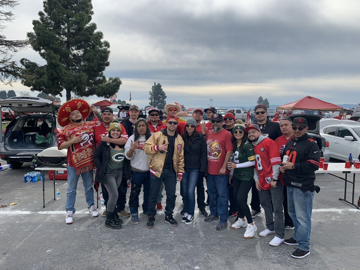 #BangBangNinerGang Almost that time of year again @49ers #Faithful #FTTB https://t.co/OxbP6vSQzG