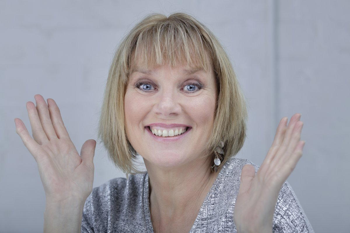 Ticket alert! There are a handful of tickets left for Northern Ireland queen of comedy Nuala McKeever's show in the Walled Garden tonight. To book one of the last remaining bubbles, click on the link below. openhousefestival.ticketsolve.com/shows/873617190