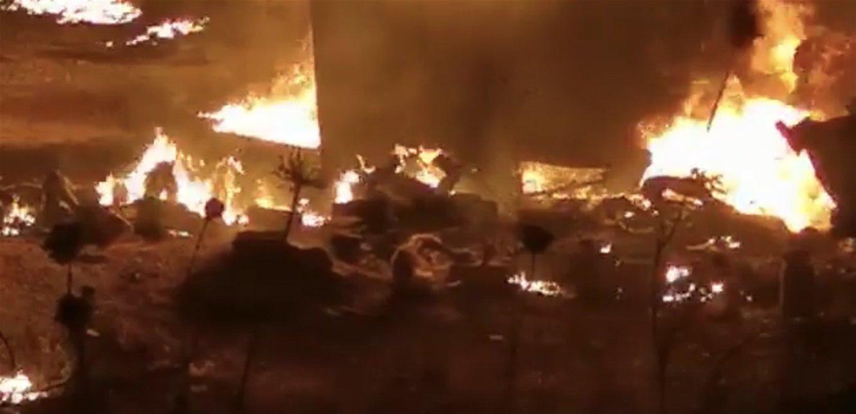 לבנון: 20 בני אדם נהרגו 79 נפצעו בפיצוץ מכלית דלק שבבעלות החזבאללה בעיר אל טליל באזור עקר בצפון לבנון E80KetSXMAIigX9?format=jpg&name=large